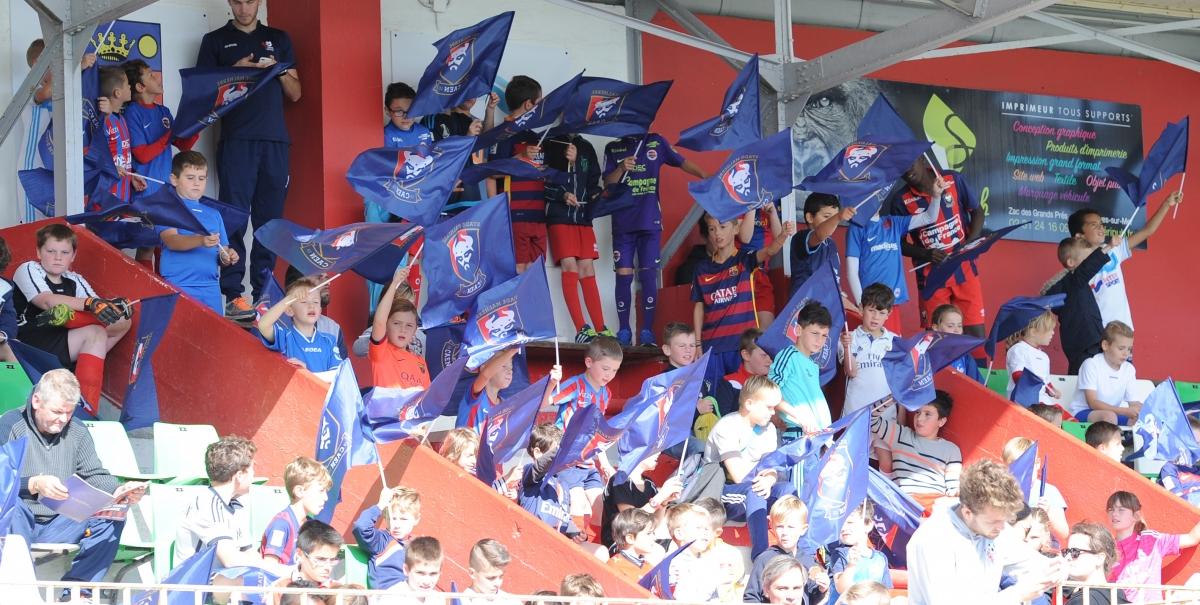 [35e journée de L1] SM Caen 1-5 O Marseille Drapeaux_supporters_1