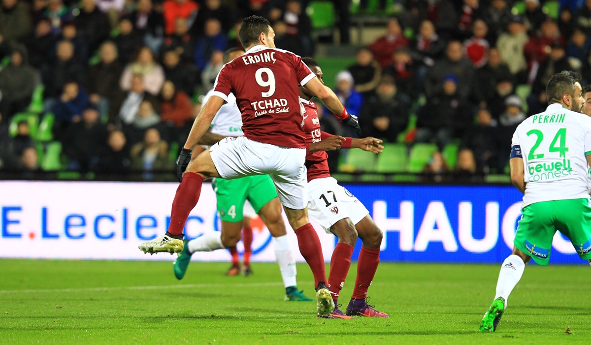 [18e journée de L1] SM Caen 3-0 FC Metz Ba1y0430_2