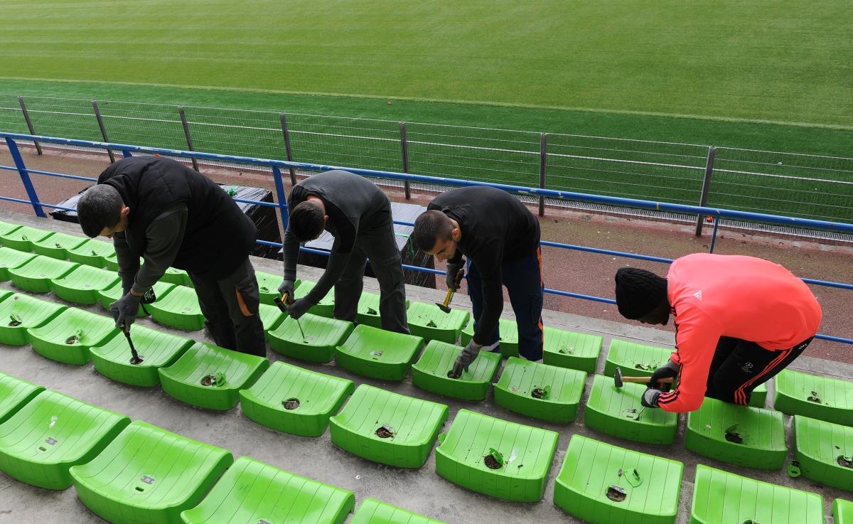 Le stade Michel d'Ornano - Page 6 Demontage_1