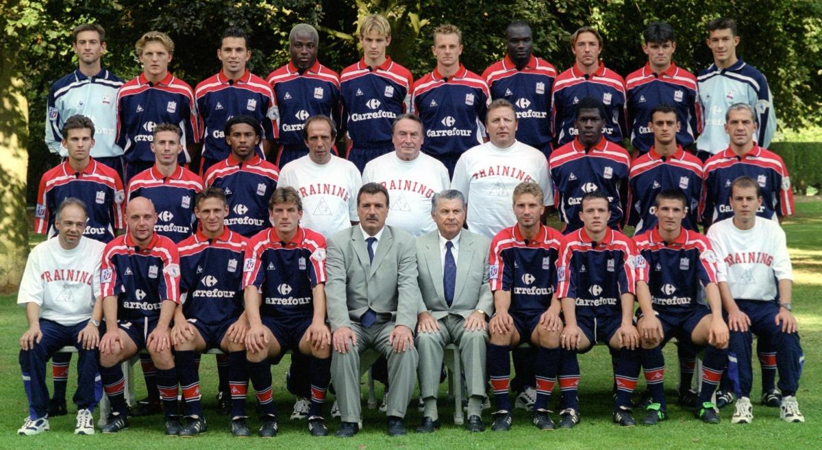 [32e journée de L1] SM Caen 0-2 Montpellier HSC Groupe_2000_2001_b