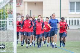 Les joueurs du Stade Malherbe ont débuté la séance par un footing avec le nouveau préparateur physique, Benoît Pickeu