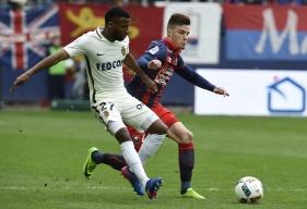 Malgré la volonté initiale des Caennais, le duel entre le Stade Malherbe de Frédéric Guilbert et l'AS Monaco de Thomas Lemar a tourné en faveur du leader du championnat.