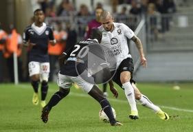 Sur une frappe croisée dans les arrêts de jeu, Vincent Bessat aurait pu offrir les trois points de la victoire au SMC, mais Cédric Carrasso, le gardien bordelais, s'est interposé.