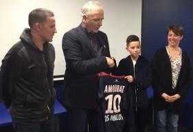 Avant de rejoindre le pôle préformation du Stade Malherbe en 2019, Adam Amourat - ici, en compagnie, entre autres, de Francis De Taddeo, le directeur du centre de formation du SMC - restera jouer en région parisienne.