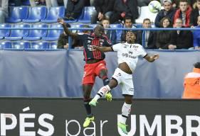 Suspendu le week-end dernier à Nantes après son expulsion contre Dijon, Adama Mbengue réintègre le groupe de Patrice Garande.