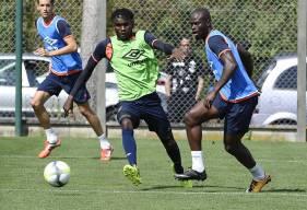 """Comme les quatre autres joueurs du groupe """"pro"""" non retenus pour le déplacement à Monaco, Durel Avounou et Ismaël Diomandé ont disputé la première période contre la réserve du HAC."""