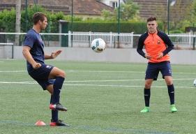 La réserve du Stade Malherbe - qui a repris l'entraînement mercredi (ici, Thomas Callens et Jessy Deminguet sur le synthétique de Venoix) - connaîtra son calendrier mardi 18 juillet.