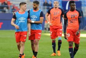 Comme Alexander Djiku, Romain Genevois - ici, en compagnie de Timo Stavitski, Youssef Aït Bennasser et Enzo Crivelli - effectuera son retour de suspension contre le PSG.
