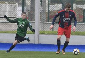 Durant ses deux saisons au Stade Malherbe (il était prêté lors de l'exercice précédent à Avranches), Florian Le Joncour a uniquement joué avec la réserve en N3.