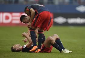 Contre Monaco, Ivan Santini - ici, félicité par Ronny Rodelin et Jessy Deminguet - a inscrit son 26e but en Ligue 1 avec le Stade Malherbe. L'avant-centre croate a rejoint Xavier Gravelaine.