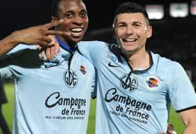 Jonathan Kodjia et Mathieu Duhamel, les deux buteurs caennais lors du dernier succès normand à Angers en avril 2014 ; une victoire décisive dans la course à la montée en Ligue 1.