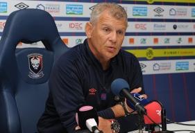 Pour la réception du FC Metz, Patrice Garande devra composer sans Hervé Bazile et Vincent Bessat qui souffrent tous les deux d'une élongation à une cuisse. Ils devraient reprendre l'entraînement collectif le 5 septembre.