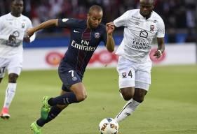 La confrontation entre le PSG de Lucas et le Stade Malherbe d'Ismaël Diomandé sera retransmise en intégralité sur Canal + et en multiplex sur beIN Sports 1.