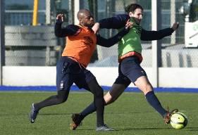 Alors qu'Ivan Santini est suspendu pour le déplacement à Lyon, Baïssama Sankoh - ménagé ces derniers jours - demeure incertain.