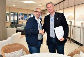 En présence du président Jean-François Fortin, Christophe Künkel - président de l'entreprise éponyme - a officialisé le prolongement de son engagement comme partenaire officiel et sponsor maillot pour une quatrième saison consécutive.