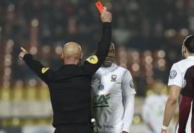 Après son carton rouge reçu à Metz, en 8e de finale de la Coupe de France, Hervé Bazile a écopé de deux matches de suspension.