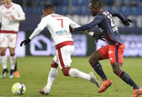 Averti contre Bordeaux, Adama Mbengue sera suspendu pour le déplacement à Toulouse.