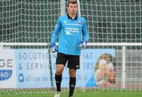 En sortant deux face-à-face dans les dix premières minutes plus un coup franc alors que son équipe menait 2-1, Thomas Callens a largement contribué à la victoire de la réserve du Stade Malherbe.