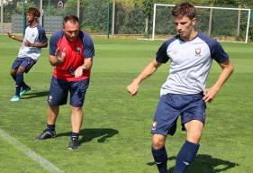 Fabrice Vandeputte le nouveau coach de l'équipe réserve aux côtés d'Hugo Vandermersch lors de la première séance