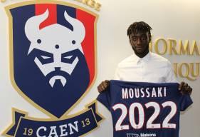 En permanence avec le groupe professionnel depuis plus d'un mois, Herman Moussaki a signé son premier contrat professionnel avec le Stade Malherbe Caen