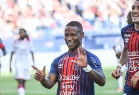 Tout comme Enzo Crivelli et Yacine Bammou, Claudio Beauvue a inscrit deux buts pour le Stade Malherbe cette saison