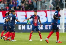 La joie de Saïf-Eddine Khaoui et ses coéquipiers après le premier but du malherbste sous ses nouvelles coueurs en première période