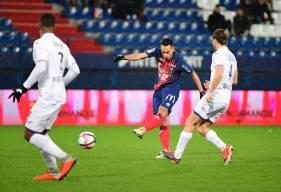 Saïf-Eddine Khaoui occupe les deux premières places du classement grâce à ses buts face au Toulouse FC et sur la pelouse du RC Strasbourg