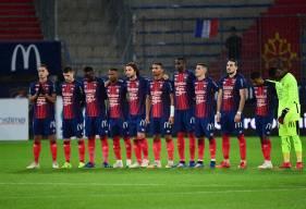 Les joueurs du Stade Malherbe et le public de d'Ornano ont respecté une minute de silence avant la rencontre d'hier soir
