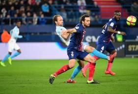Paul Baysse et la défense du Stade Malherbe se sont incliné sur la seule tentative cadrée de l'Olympique de Marseille ce soir à d'Ornano