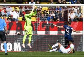 En plus des nombreux arrêts décisifs, Brice Samba a aussi soulagé sa défense dans les airs sur les 13 corners joués par l'AS Monaco