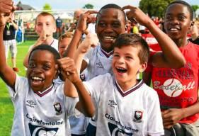 La joie des U10 du Stade Malherbe Caen après leur victoire face aux Girondins en finale de l'Europoussin dimanche après-midi