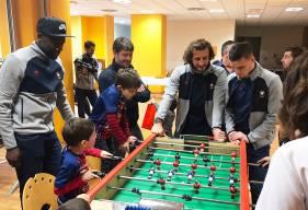 Frédéric Guilbert, Paul Baysse et Malik Tchokounté ont pu participer au tournoi de baby foot organisé pour l'événement