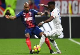 Maxwell Cornet a fait très mal au Stade Malherbe Caen avec deux passes décisives et un but ce soir au Groupama Stadium