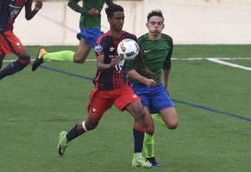 Pierrick Mouniama, le capitaine des U19 Nationaux cette saison a parfaitement transformé le penalty obtenu par Nicholas Gioacchini (38')