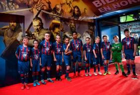 Les jeunes du clubs de Terre & Mer ont pu accompagner les joueurs lors de l'entrée sur la pelouse face à Orléans