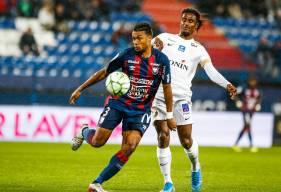 Yoël Armougom, passeur décisif sur l'ouverture du score de Prince Oniangué après un centre venu de la droite