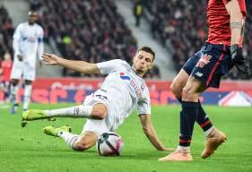 Après 106 matchs joués avec le SM Caen, Frédéric Guilbert va rejoindre le club Anglais d'Aston Villa promu en Premier League. Redécouvrez en images ses plus beaux moments sous le maillot Caennais