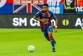 Yoël Armougom a disputé les trois premiers matchs de la saison en tant que titulaire dans le couloir gauche