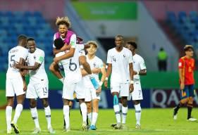 La joie des Français après la nette victoire face à l'Espagne hier soir, ils disputeront la demi-finale face au Brésil vendredi
