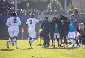 La joie des joueurs du Stade Malherbe Caen après le deuxième but des Caennais inscrit par Jonathan Rivierez