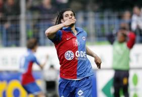 Formé au Toulouse FC, Nicolas Seube aura rejoint la Normandie et le Stade Malherbe Caen en 2001