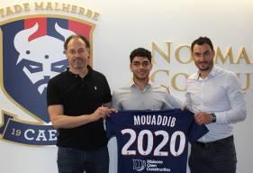 Jad Mouaddib aux côtés de Yohann Eudeline et Stéphane Nado après la signature de son premier contrat professionnel