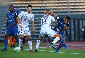 Jessy Deminguet et les caennais ont réussi à mener au score face aux Chamois Niortais avant de se faire rejoindre sur penalty (© Olivier Drilhon - Chamois Niortais FC)