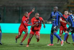 Malgré l'ouverture du score de Caleb Zady Sery, le SM Caen a dû s'incliner face au FC Chambly ce samedi soir