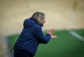 """Arrivée au Stade Malherbe Caen en 2019, Anaïs Bounouar dirige la section féminine des """"rouge et bleu"""""""