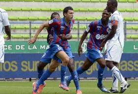 La joie de Mathieu Duhamel après l'égalisation en première période face à l'AJ Auxerre en 2012
