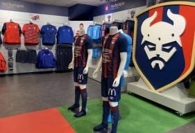 Fermée depuis un mois, la boutique officielle du Stade Malherbe Caen réouvrira ses portes demain matin