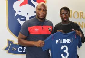 Diabe Bolumbu accompagné de Djibi Diao, le responsable du recrutement au centre de formation du Stade Malherbe