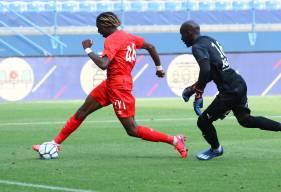 Kelian Nsona a devancé Yohann Thuram pour doubler la mise quelques minutes après l'ouverture du score de Yacine Bammou