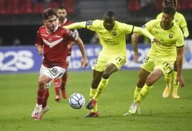 Première défaite de la saison pour Prince Oniangué et les Caennais ce samedi soir sur la pelouse de Valenciennes